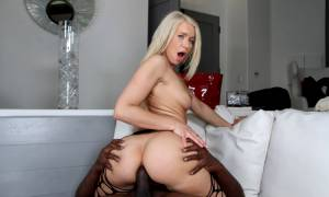 Anikka Albrite – Big White Ass Anal Fucked By Black Dick