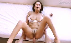 Naturall Busty MILF Brooke Sinclaire Gets Her Ass Fucked